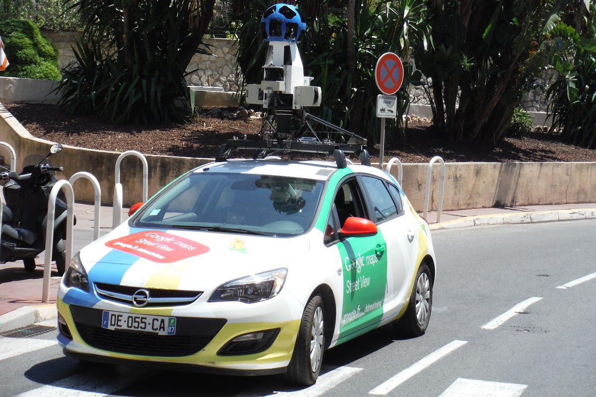 Voiture Google Maps Street View a Cannes