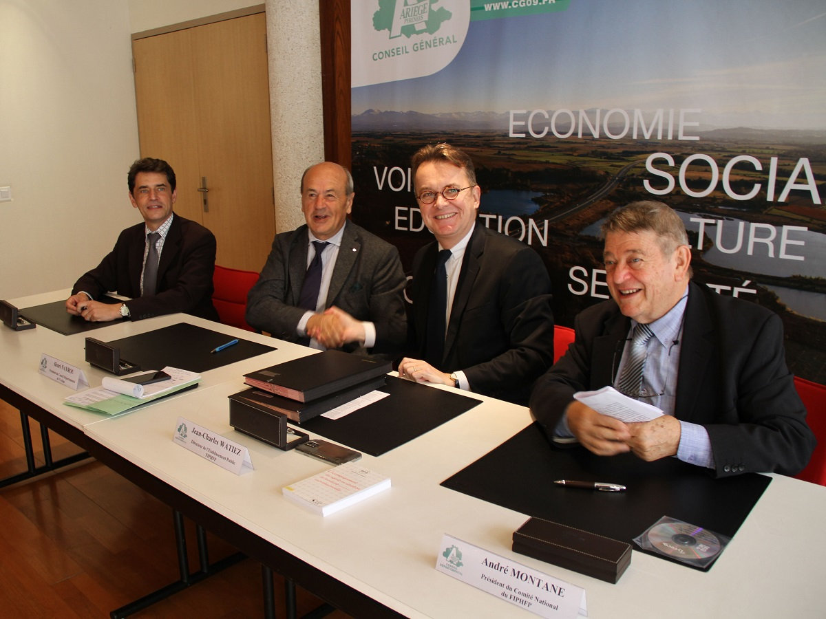 Signature convention Departement de  Ariege et le FIPHFP